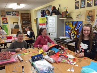 Making Christmas Bunting in the Art Room with 1K.jpg